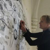Solweig travaille sur son projet de mappemonde.