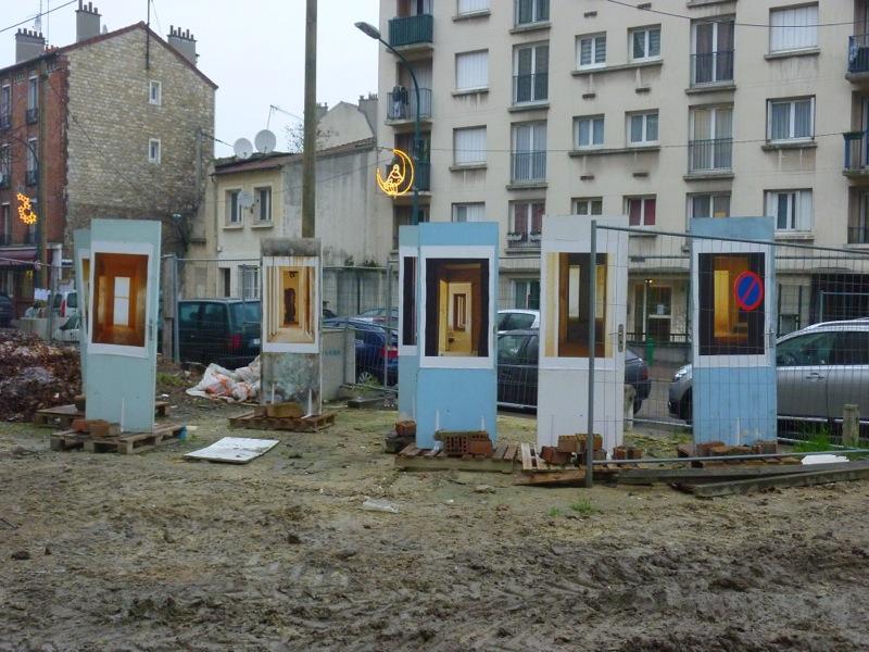 """Vue de l'installation """"les portes"""" de Maxime Bessieres, photo de Marielle Bernaudeau, 9/01/13"""