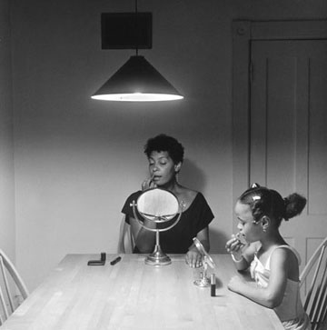 Kitchen table séries de Carrie Mae Weems, 1990