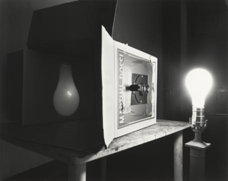 Ampoule d' Abelardo Morell, 1991
