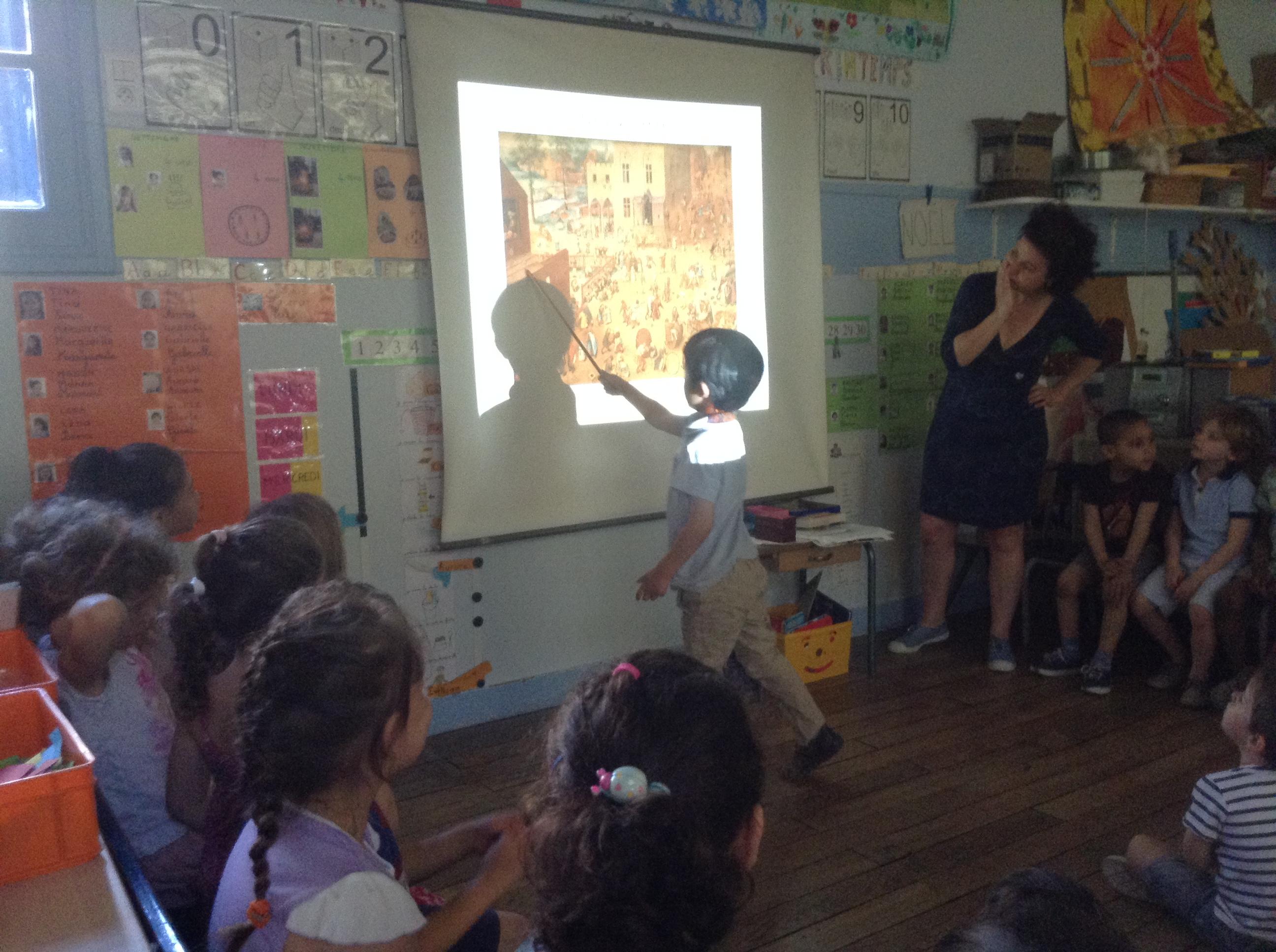 La classe de PS/MS de Catherine Thomasson  décryptent  le tableau de Bruegel