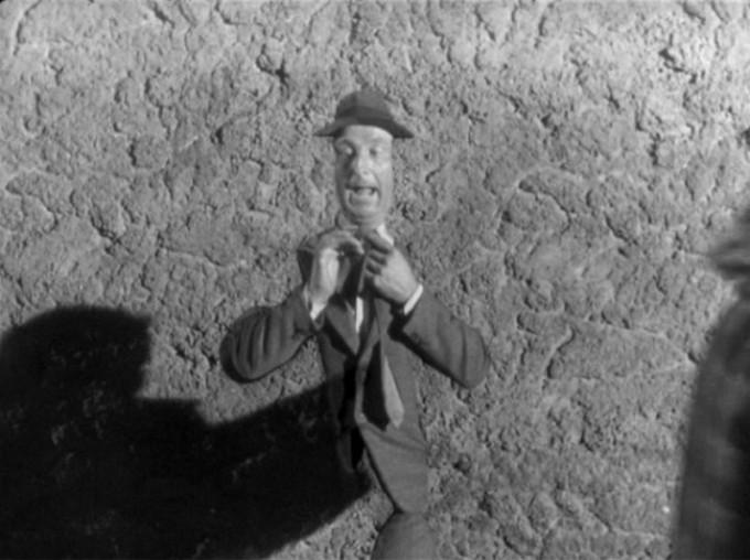 Garou, Garou, le passe-muraille de Jean Boyer, 1951