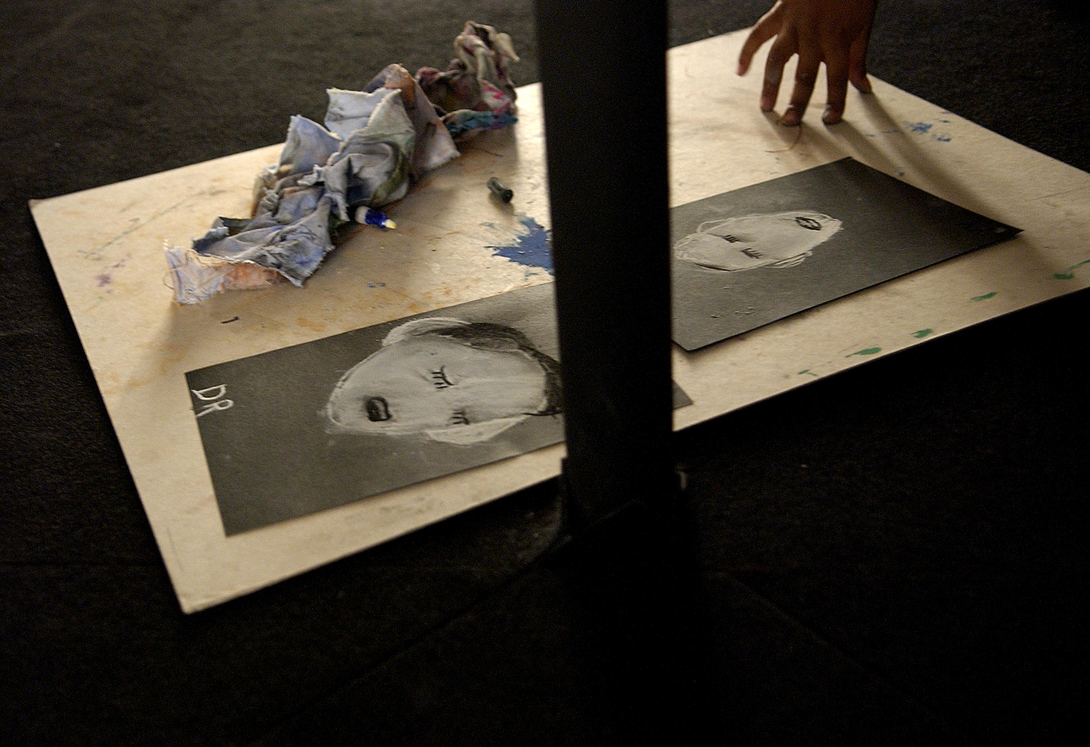 Atelier lié à l'exposition au Musée d'Art et d'Histoire de Saint Denis, 2006  Photo Pierre Trovel