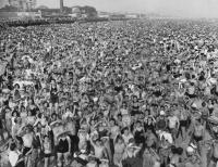 weegee-coney-island-1940.jpg
